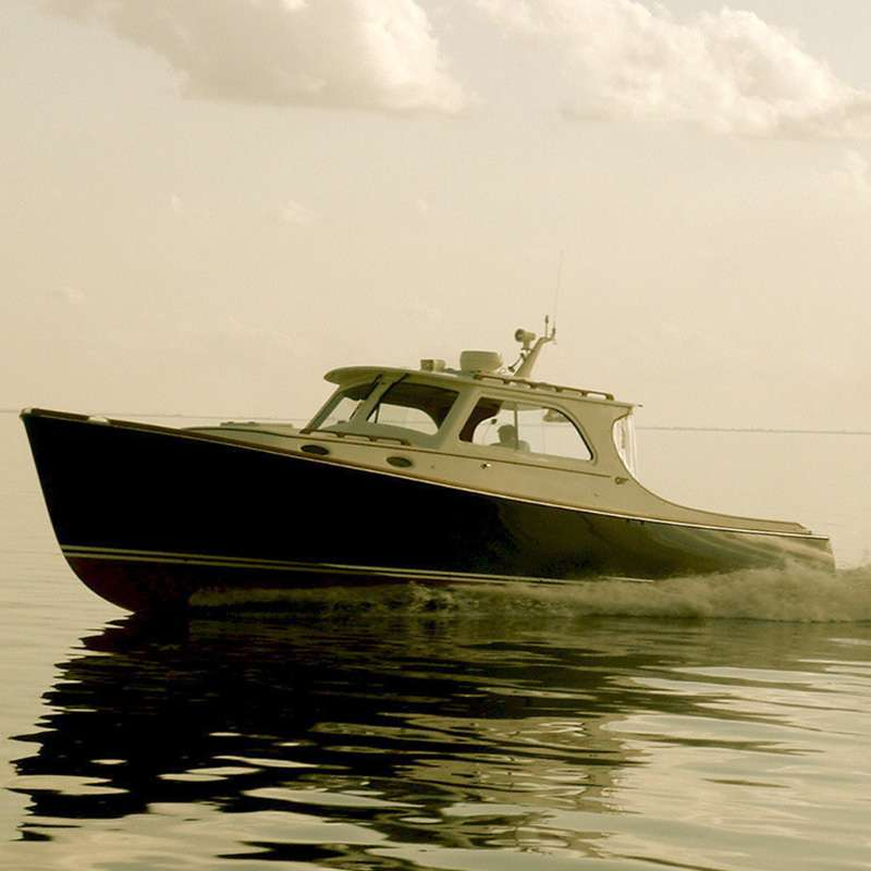 hinckley-yacht-private-charters-alm